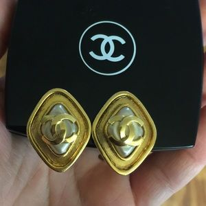Vintage CHANEL Earrings CC Clip Ons